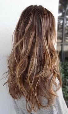 mam podobną długość włosów i chciałbym wiedzieć czy ma ktoś pomysł na to jak ...