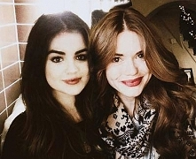 Lucy Hale i Holland Roden