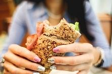 Jedz zwracając uwagę na to czy dany produkt jest naturalny, świeży czy przetw...