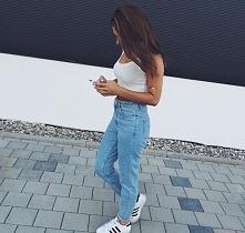 Na co dzień, jeansy :)
