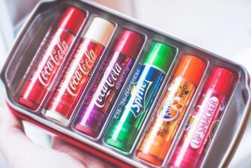szminki o smaku popularnych napoi
