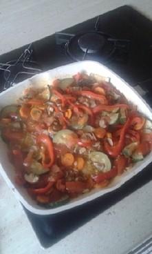 fit kolacja ^^ duszona cukinia + marchewka + pieczarki + papryka + pomidor + ...