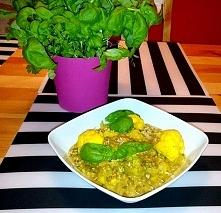 Jedliście już curry z kalafiora?  Przepis na wegańskie danie z nutką smaków rodem z azji znajdziecie klikając w zdjęcie :)  Zapraszam do polubienia strony na facebooku - bo lubi...