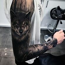niesamowity tatuaż wilka