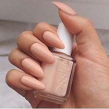 essie/nails/nude