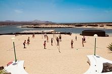 siatkówka plażowa na wyspie Lanzarote (Hiszpania)