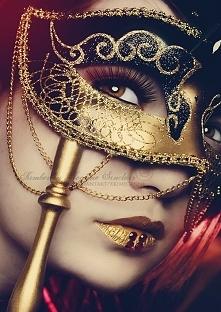 Kobieta z maską Wenecką