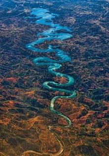 Odeleite, Portugalia. Znana także jako Blue Dragon River.
