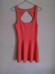 nowa piękna różowa sukienka Bershka wycięte plecy rozkloszowana link w koment...