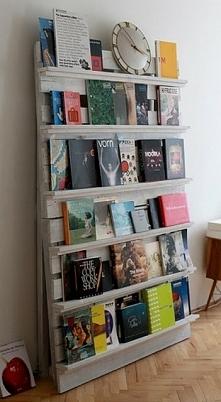 półka z drewnianych palet;)