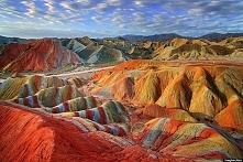 Wiedzieliście, że na naszej planecie istnieją kolorowe góry? Nie? To zobaczci...