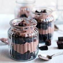 Brownie parfait Na 4 słoicz...
