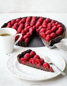 Tarta czekoladowa z malinam...