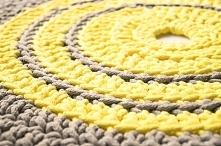 Ręcznie robiony dywan w kol...