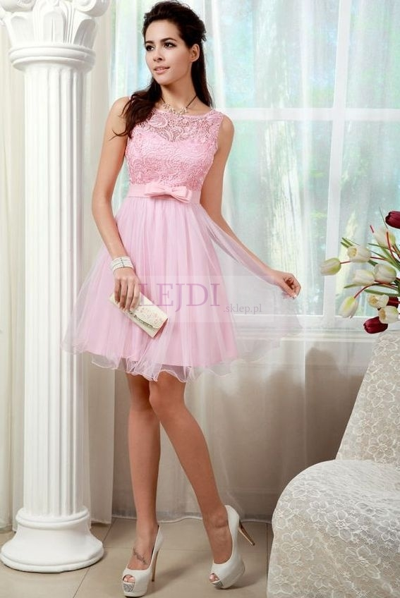 Tiulowa sukienka pastelowy róż