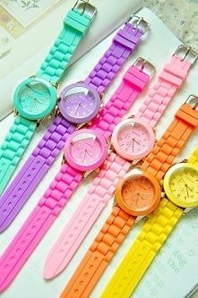 Podobają się Wam takie gumowe zegarki? Co o nich myślicie?