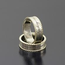 Lord of the Rings Białe złoto i żółty wieniec dookoła obrączek. Inne Obrączki