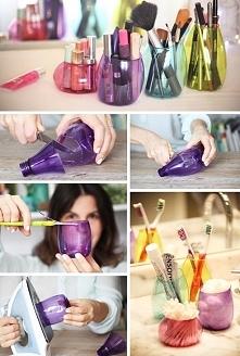 Pojemniczki DIY z kolorowych butelek.