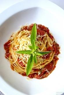 Najlepsze i najprostrze spaghetti - ulubione danie Audrey Hepburn. Kliknij w obrazek by obejrzeć przepis.