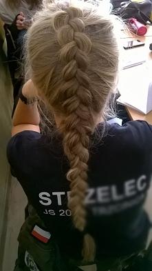Fryzurka do munduru idealna :)