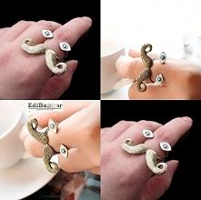 Baaardzo dziwne pierścionki. Może dla fanek creepersów?
