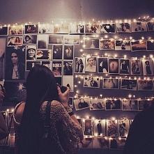 Pomysł na ścianę ze zdjęciami.