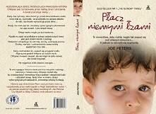Autor opisuję własną historię kiedy to jako dziecko był maltretowany przez własną matke i braci.  Niektórzy ludzie to potwory..