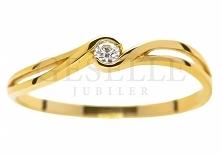 WZ 567 Delikatny, złoty pierścionek zaręczynowy z brylantem 0,04 ct - GRAWER W PREZENCIE - kolekcja GESELLE Jubiler