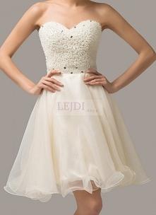 Perłowa sukienka na sylwestra lub studniówkę