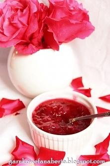 Dżem z płatków z dzikiej róży, przepyszny, idealny do pączków czy nawet naleśników