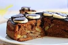 Zapiekany deser bananowo-czekoladowy ❤  Składniki: 2 jaja 4 łyżki cukru 1 łyżka cukru z wanilią 50 gramów gorzkiej czekolady 2 duże banany (mocno dojrzałe) 4 kopiaste łyżki mąki...
