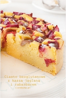 Ciasto bezglutenowe z kaszą jaglaną i rabarbarem (owocami) – przepis