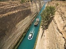 Kanał Koryncki został wybudowany około 120 lat temu. Pracowało przy nim prawi...