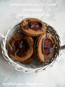 Kruche pełnoziarniste ciastka z dżemem śliwkowym i gorzką czekoladą. myownple...