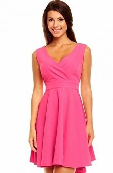 Kartes moda KM155 sukienka różowa Seksowna a zarazem elegancka, góra kopertow...
