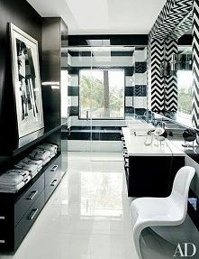 łazienka w bieli i czerni, graficznie i designersko. Więcej inspiracji na blogu moojconcept .com ZAPRASZAM!