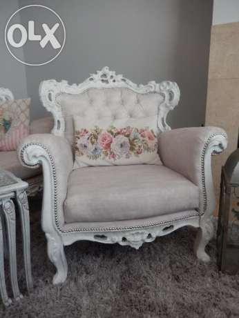 fotel, shabby chic,biel,antyk,oryginał po renowacji