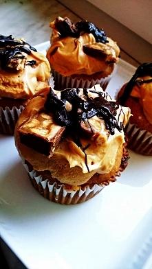 Babeczki snickers