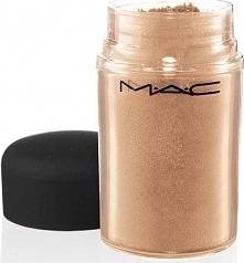 Przepiękny pigment Maca- Naked- odcień nude pasujący do każdej urody. Można g...