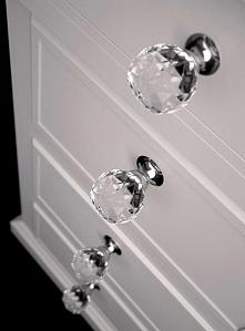 kryształowy uchwyt do szuflad