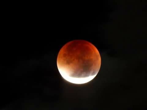 Krwawy ksieżyc ^^ *-*