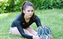 Na ten tydzień moją inspiracją jest Nina Dobrev :)  Dzisiaj z rana 30 min aktywności fizycznej, czas się przestawić na poranne treningi, bo wieczorem czasu na wszystkie ćwiczeni...