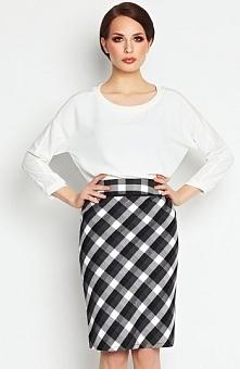 Awama A107 spódnica czarna Elegancka spódnica, wykonana z wzorzystej dzianiny, ołówkowy krój