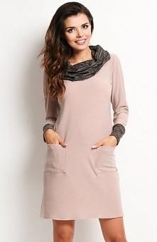 Awama A113 sukienka beżowa Modna sukienka, wykonana z gładkiej tkaniny, wkład...