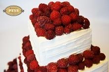 Tort malinowy dla Moniki i Maćka:) Państwo Młodzi nie chcieli typowego tortu,...