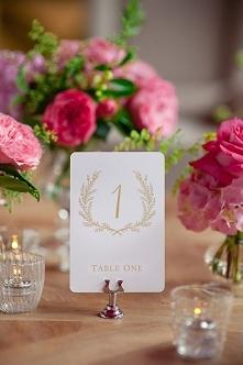 Pomysły na dekoracje stołów weselnych zdjęcia