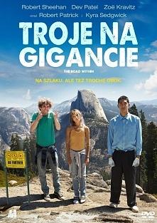 """Dramat/Komedia (2014) """"Troje na gigancie""""  Cierpiący na Zespół Tour..."""