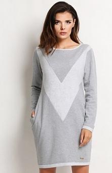 Awama A119 sukienka szara Twarzowa sukienka, okrągły dekolt, z przodu geometr...