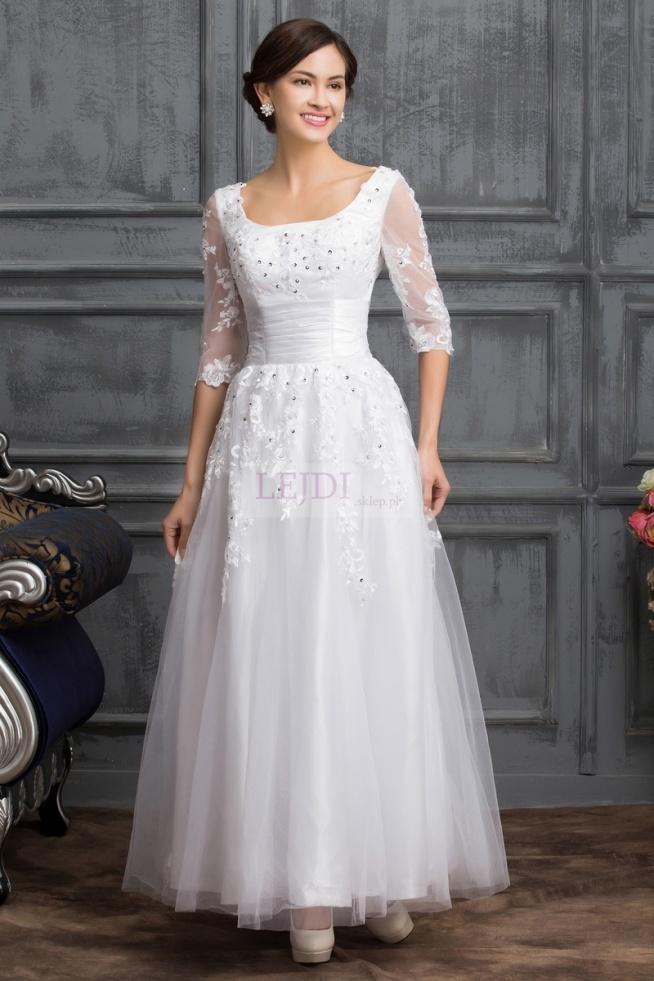 Suknia ślubna z gipiurowymi aplikacjami