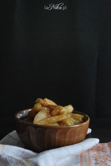 Kasza bulgur z karmelizowanymi gruszkami i bananami. Przepis po kliknięciu w zdjęcie